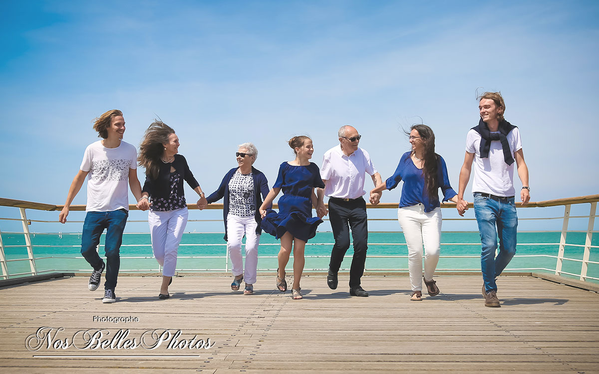 Photographe videaste famille Veules-les-Roses Normandie, shooting photo famille Seine-Maritime